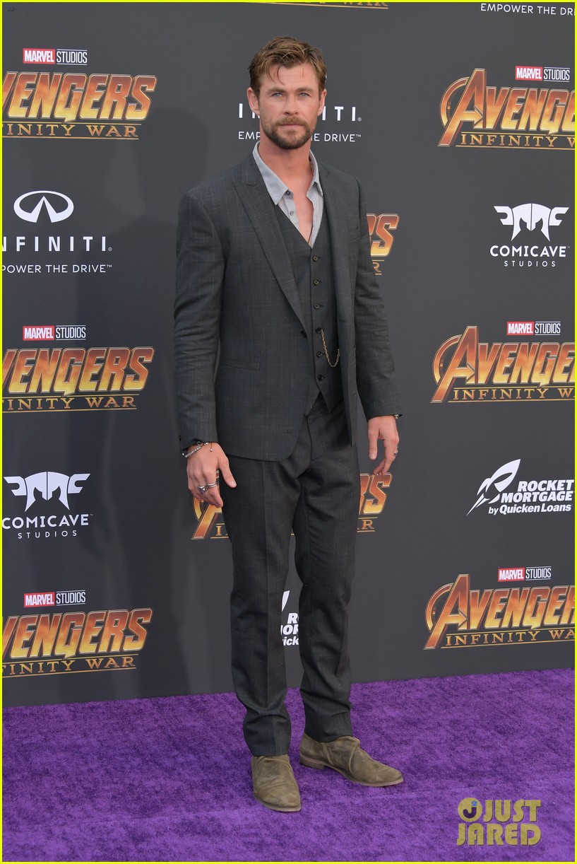 chris hemsworth and tom hiddleston represent thor at avengers premiere 254071167