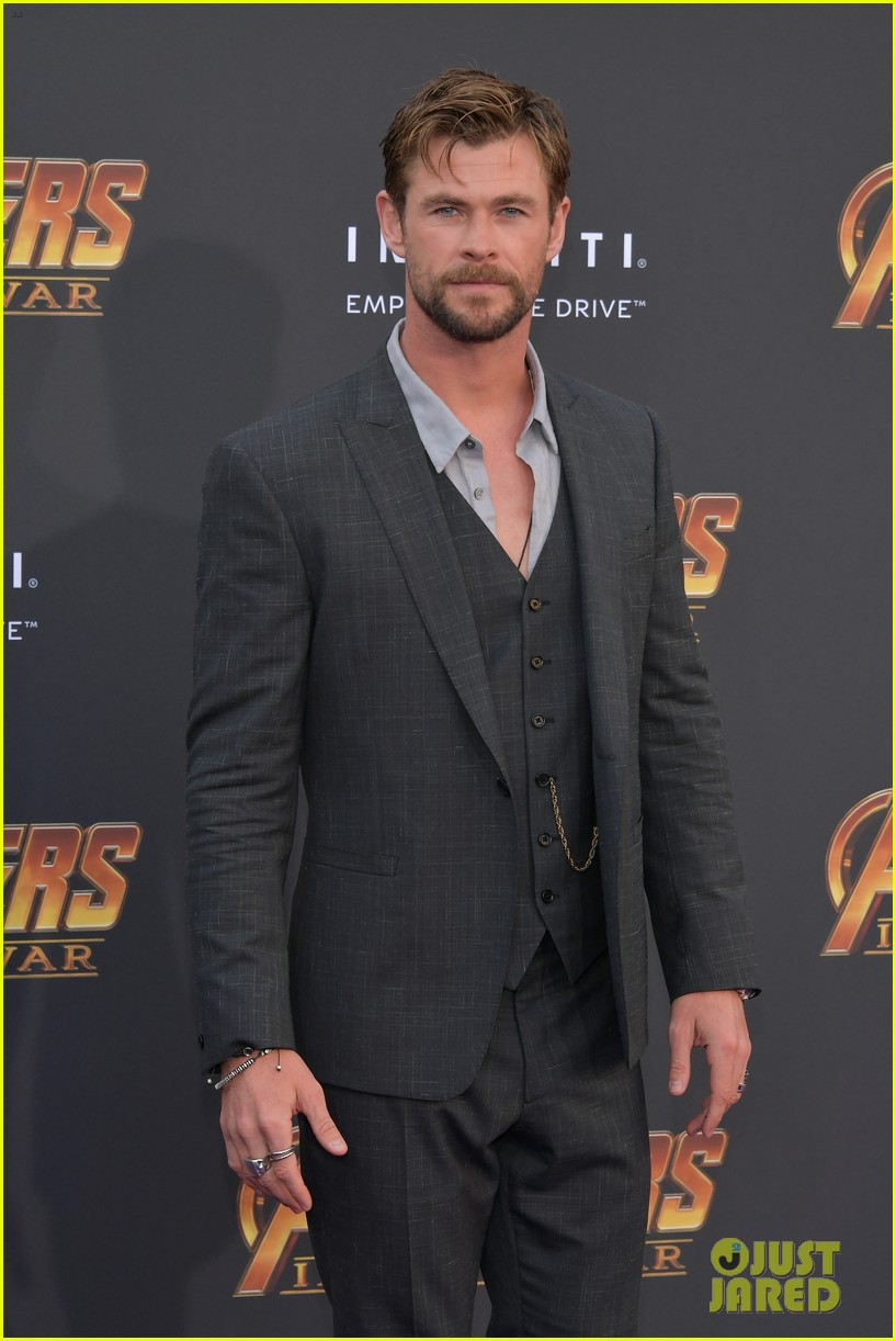 chris hemsworth and tom hiddleston represent thor at avengers premiere 264071168
