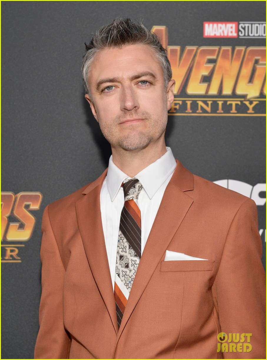 luke hemsworth supports brother chris at avengers infinity war global premiere 034071324