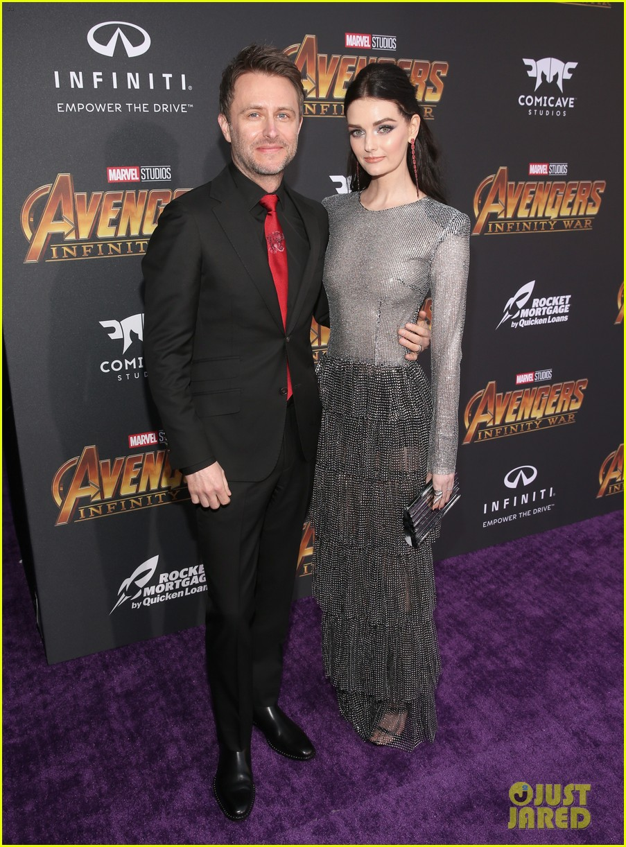 luke hemsworth supports brother chris at avengers infinity war global premiere 074071328