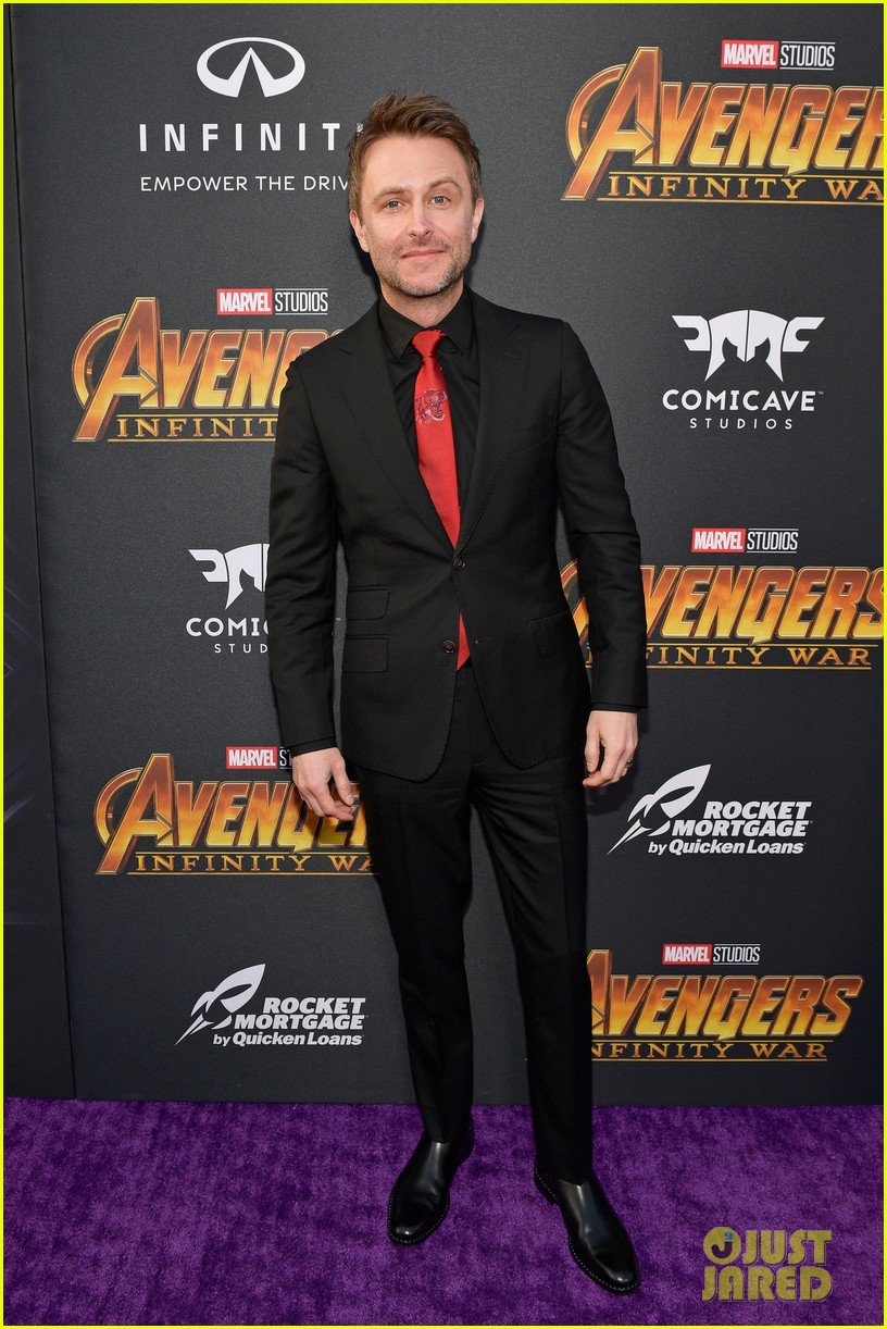 luke hemsworth supports brother chris at avengers infinity war global premiere 084071329