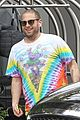 jonah hill shows off his new buzz cut while shopping in la 02