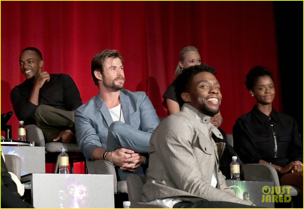 avengers infinity war cast get together for global press conference 064069190