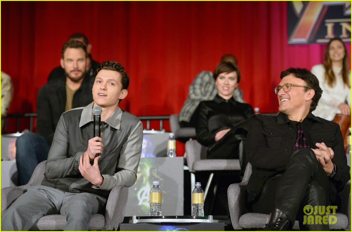 avengers infinity war cast get together for global press conference 134069197
