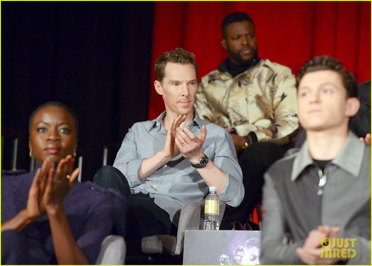 avengers infinity war cast get together for global press conference 144069198
