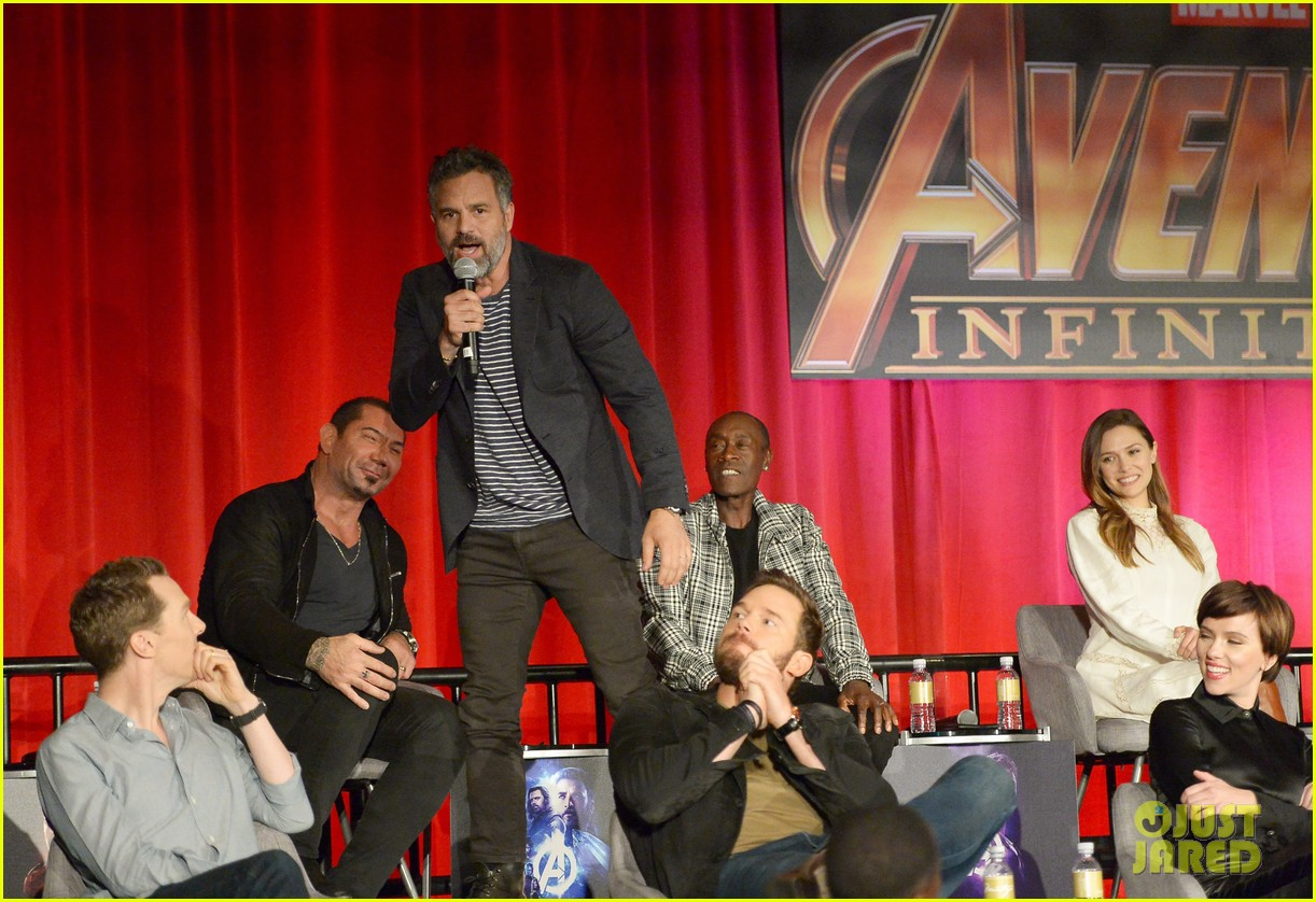 avengers infinity war cast get together for global press conference 224069206