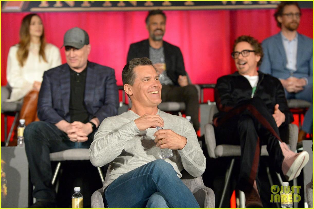 Avengers Infinity War Cast Get Together For Global