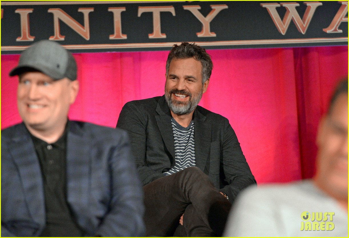 avengers infinity war cast get together for global press conference 544069238