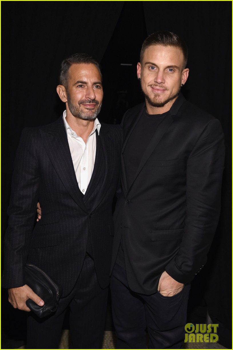 marc jacobs proposes to char defrancesco with flashmob at chipotle 024060267