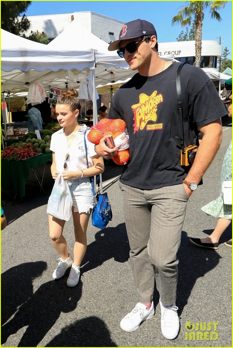 Joey King & Boyfriend Jacob Elordi Go Shopping at the