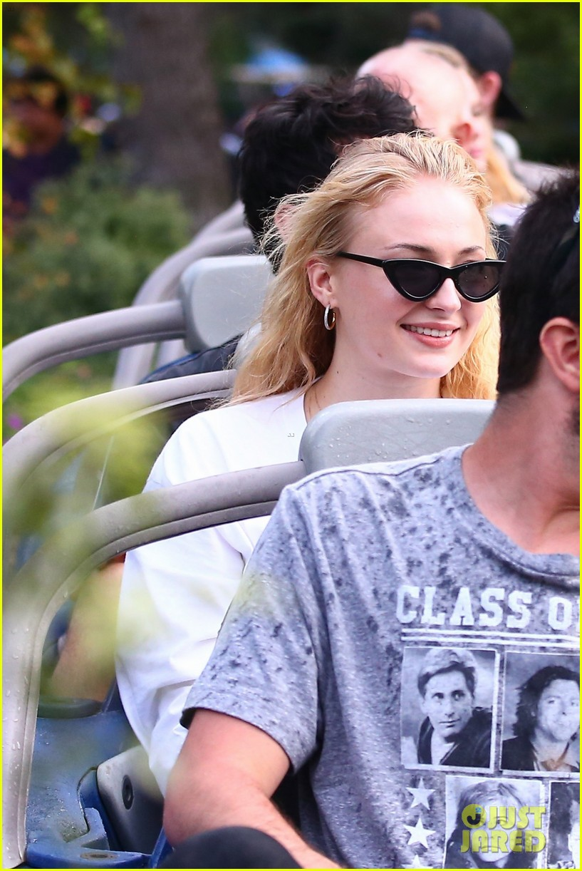 joe jonas and sophie turner get soaked at disneyland 254061161