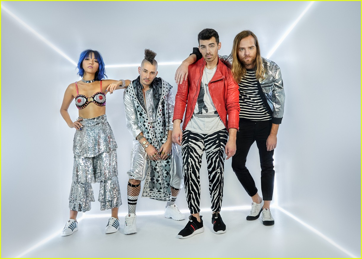 joe jonas and dnce launch new shoe collection with k swiss 054068252