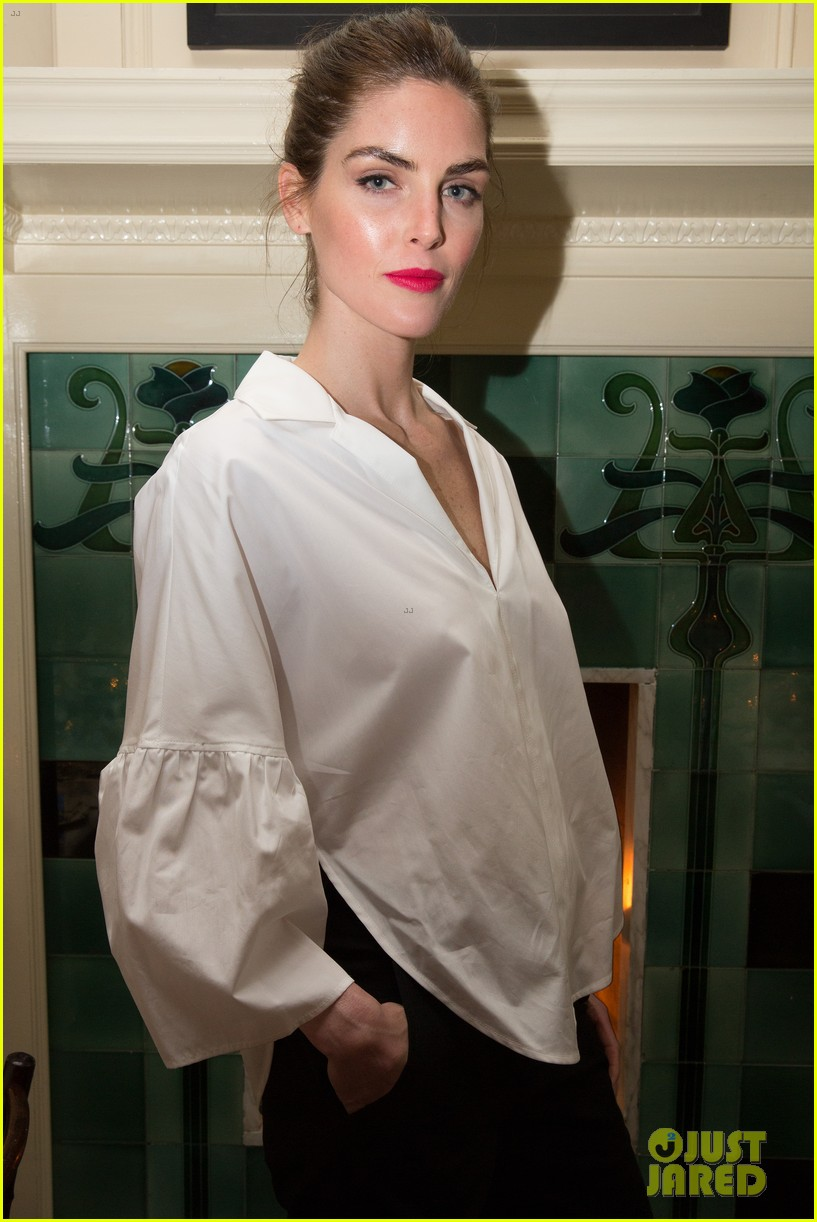 january jones celebrates freedom for all with tome 094064034