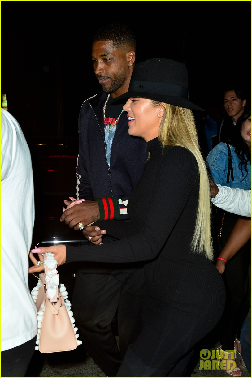 khloe kardashian gives birth 034065878