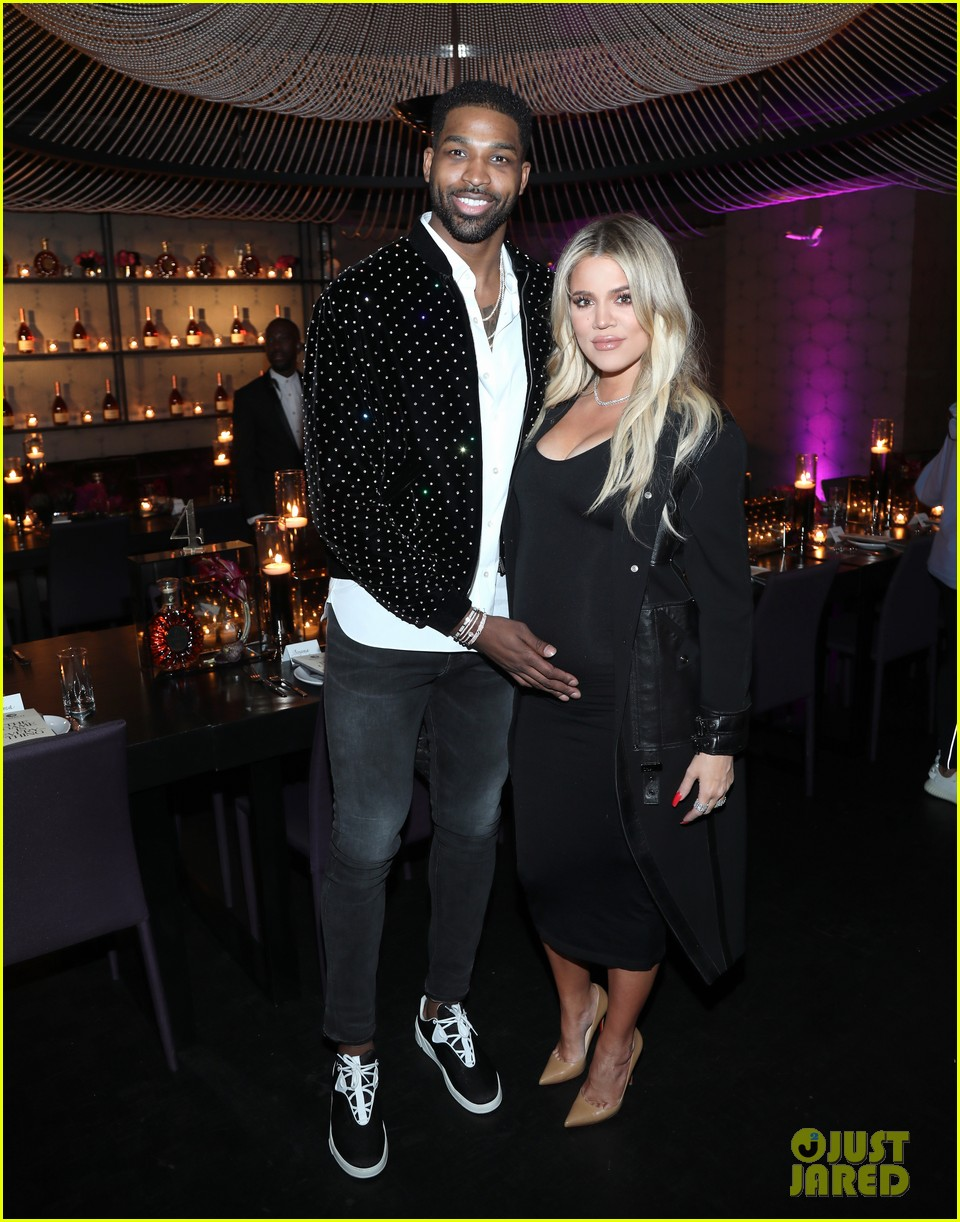 khloe kardashian gives birth 064065881