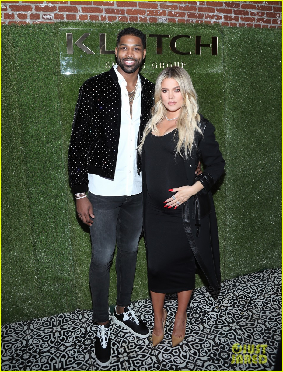 khloe kardashian gives birth 074065882