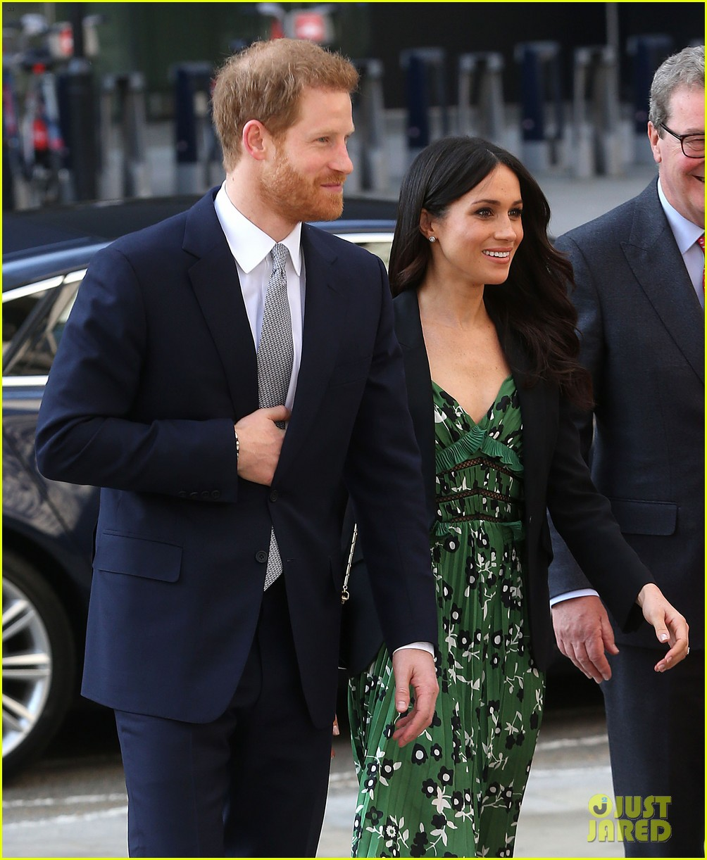 Meghan Markle Rewears Her Favorite Blazer At Event With
