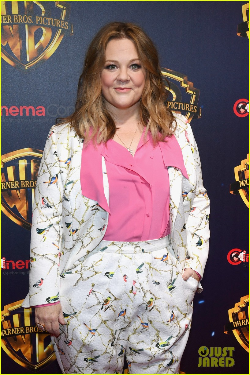melissa mccarthy steps out cinemacon 2018 044071970