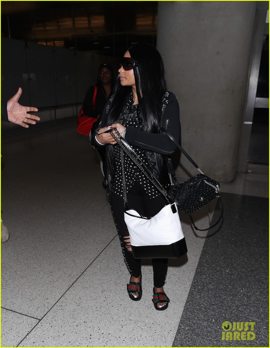 4d9f333f7cc Nicki Minaj Makes Rare Outing at LAX Airport  Photo 4059703