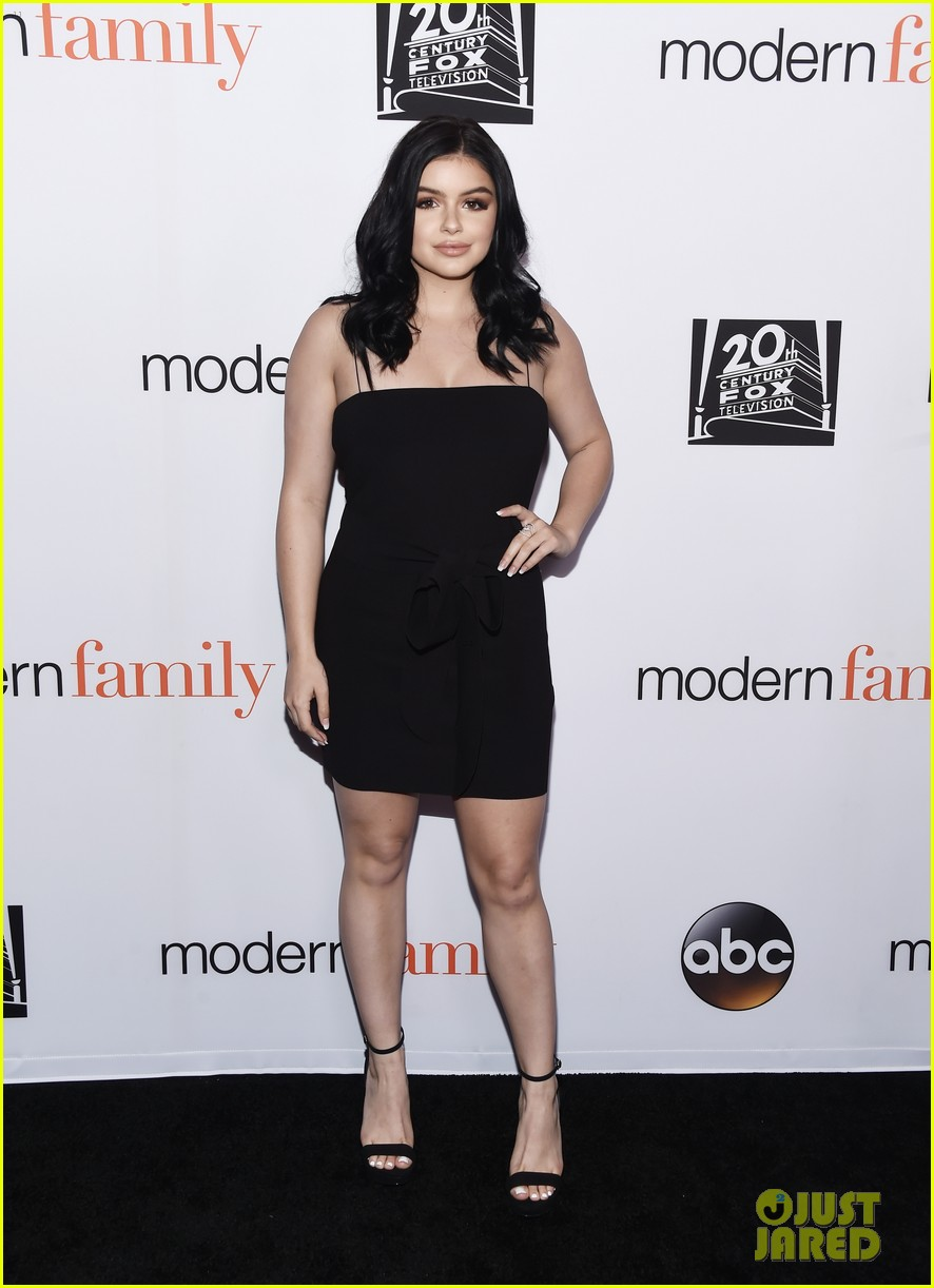 modern family cast teams up for fyc event in hollywood 024066185