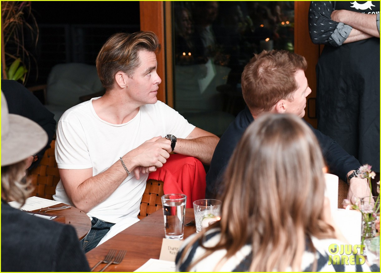 chris pine annabelle wallis malibu dinner party 014062146