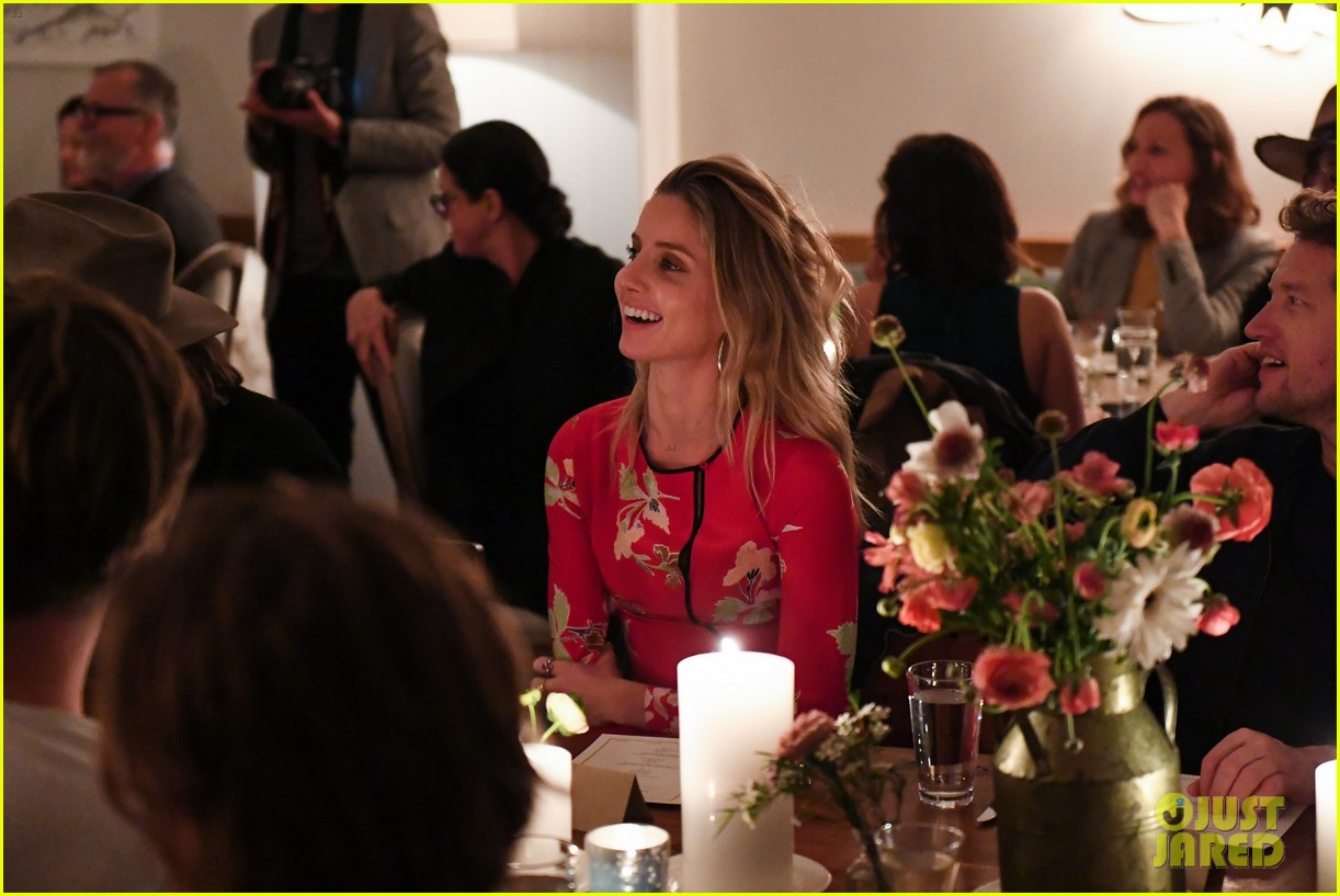 chris pine annabelle wallis malibu dinner party 024062147