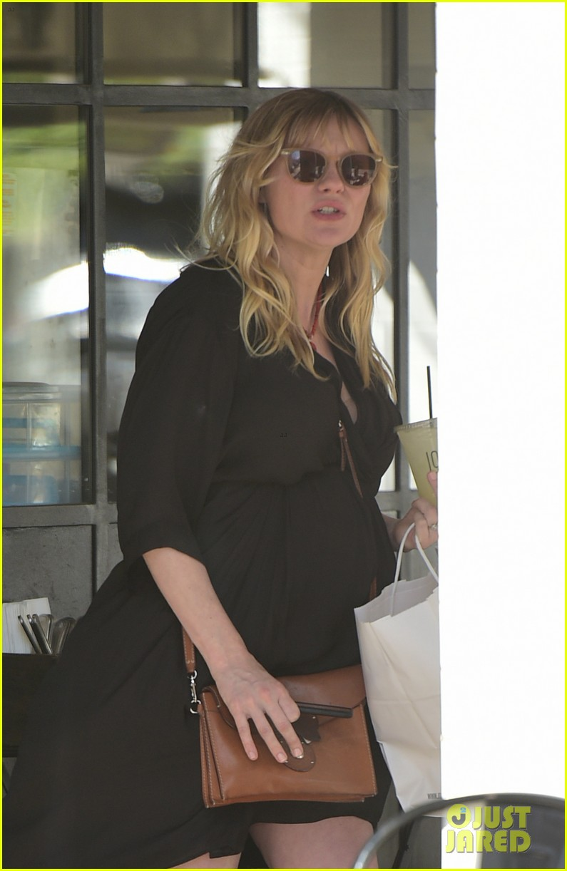 kirsten dunst grabs lunch with jesse plemons in weho 014068699