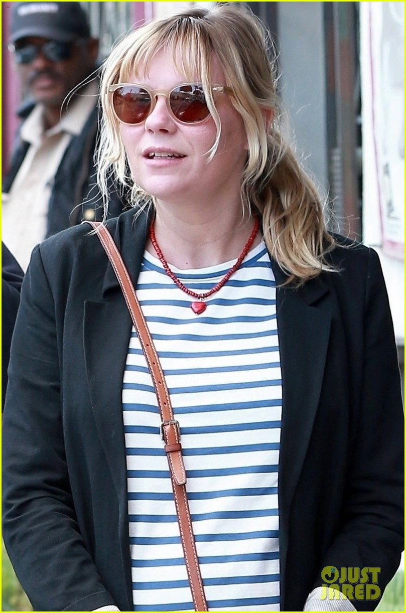 kirsten dunst grabs lunch with jesse plemons in weho 024068700