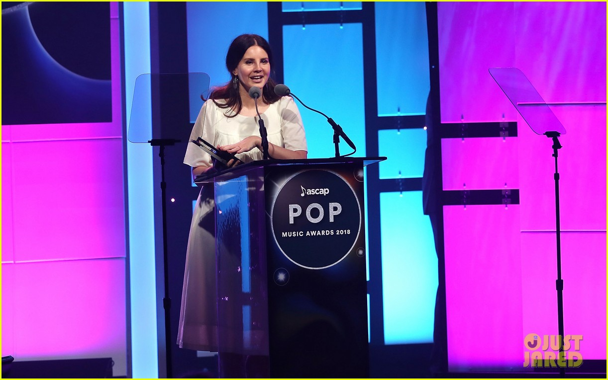 lana del rey wins big at ascap pop music awards 2018 054071532