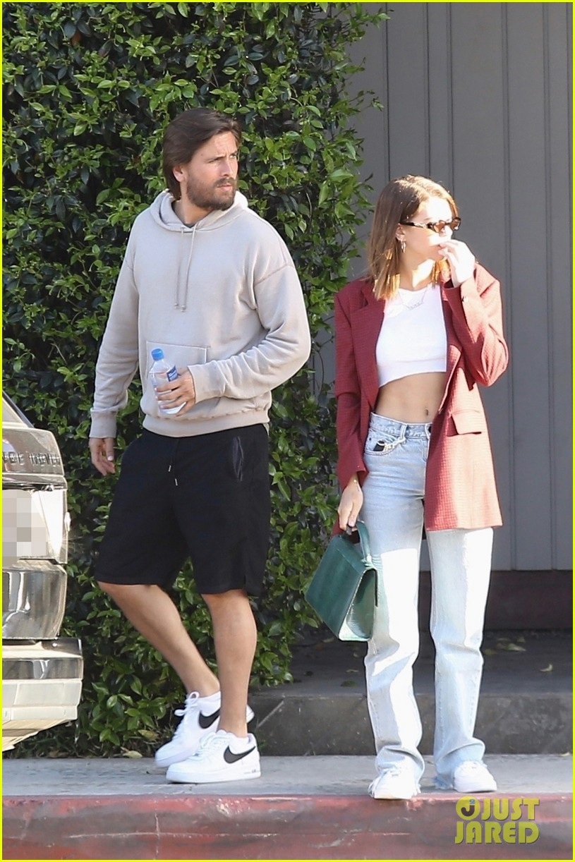 sofia richie and scott disick couple up for beach day 014068590