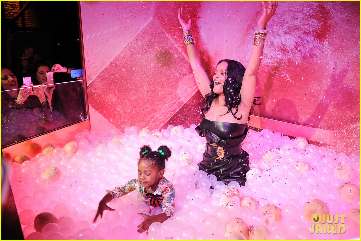 rihanna plays with niece majesty at makeup launch 024060734