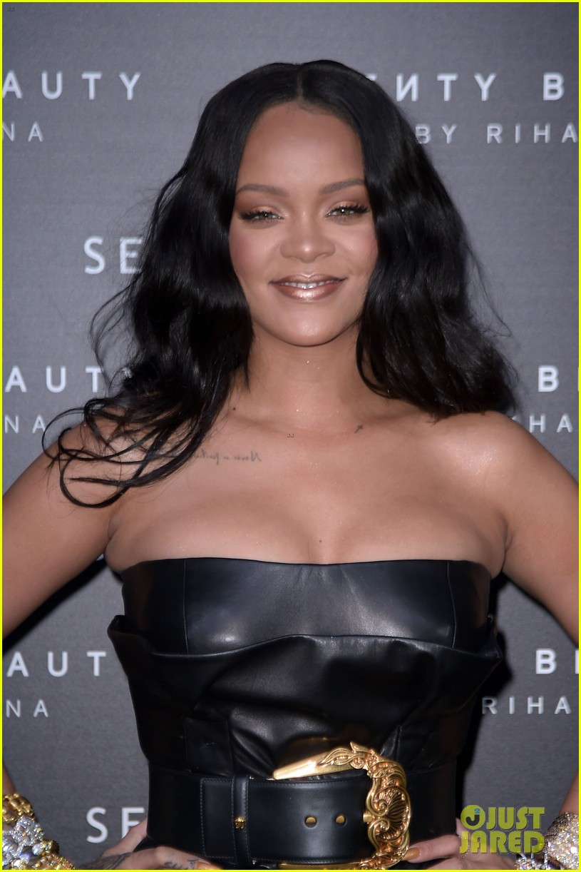rihanna plays with niece majesty at makeup launch 064060738