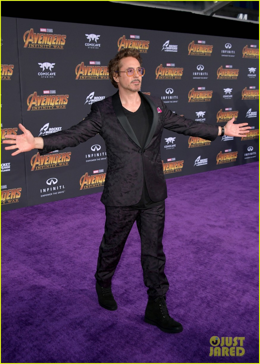 Robert Downey Jr Amp Gwyneth Paltrow Reunite At Avengers