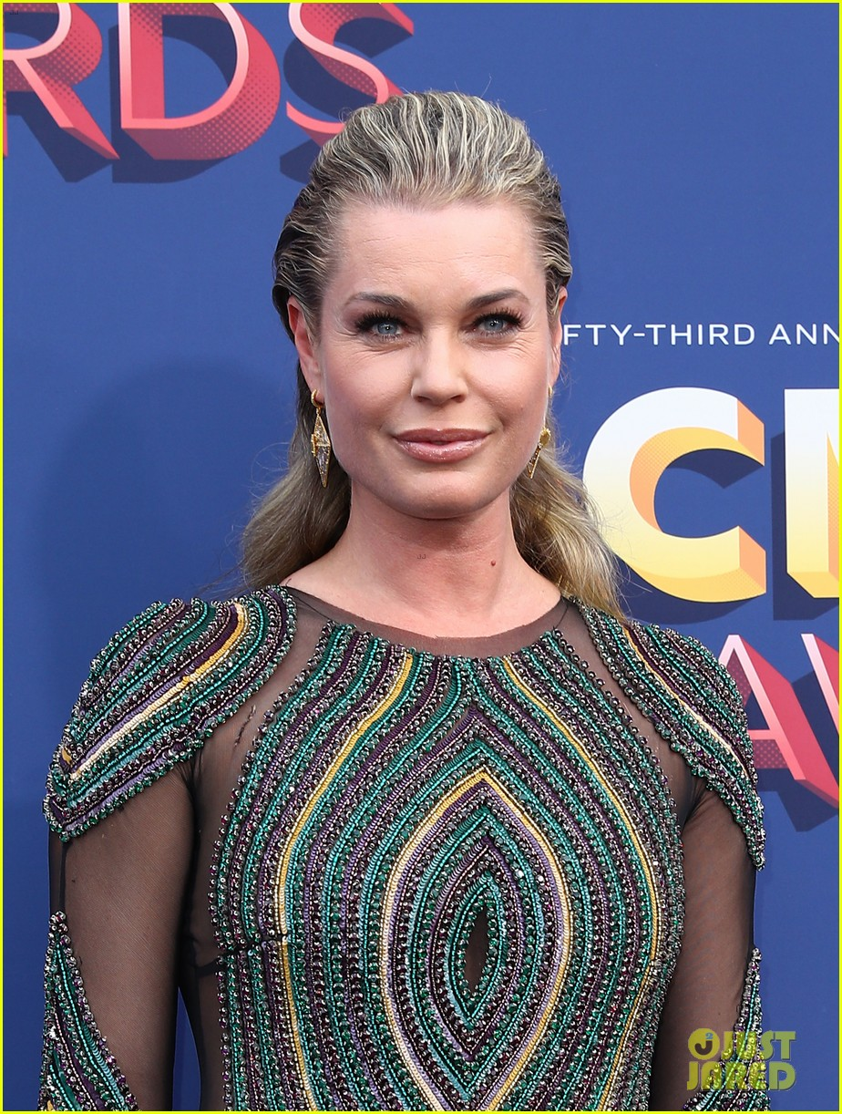 rebecca romijn jerry oconnell acm awards 2018 184065573