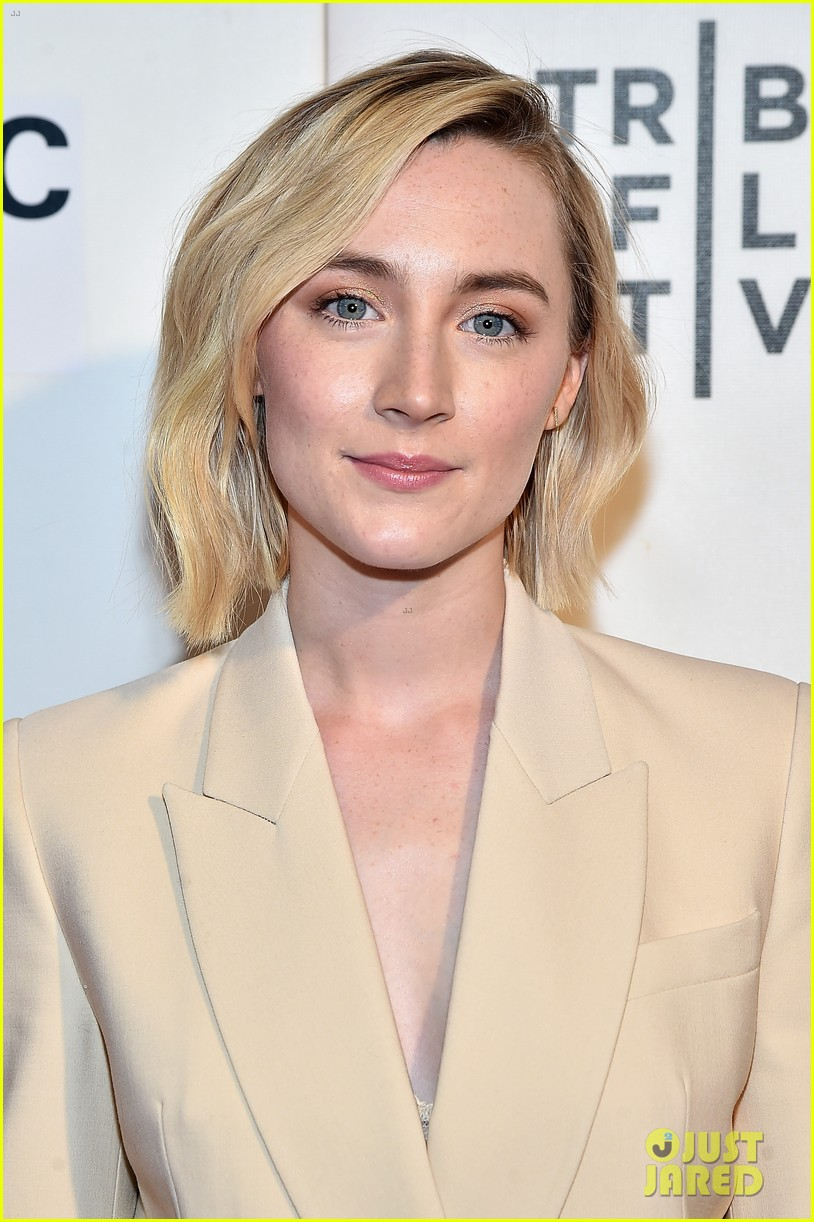 saoirse ronan joins annette bening at seagull screening 104068691