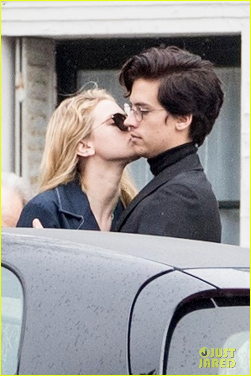 Riverdales Cole Sprouse Plays Coy About Dating Lili Reinhart