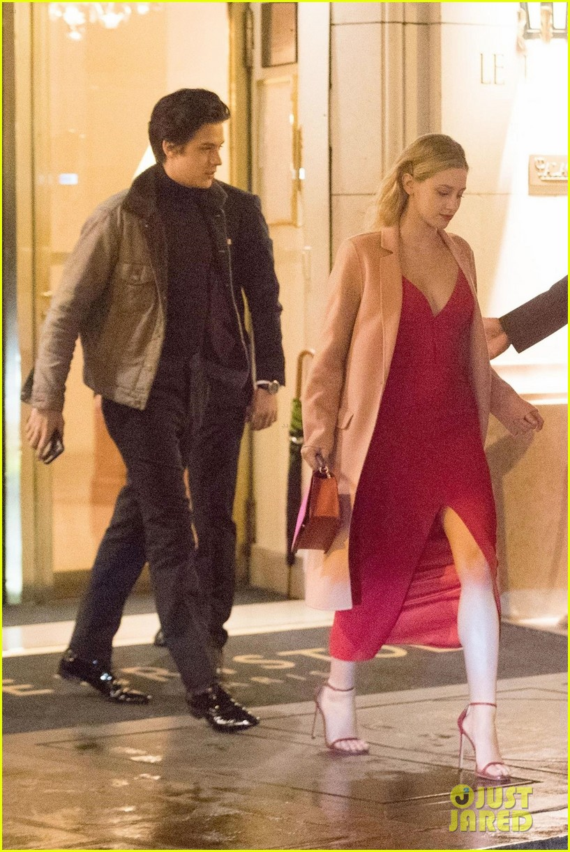 Lili reinhart and cole sprouse 2020