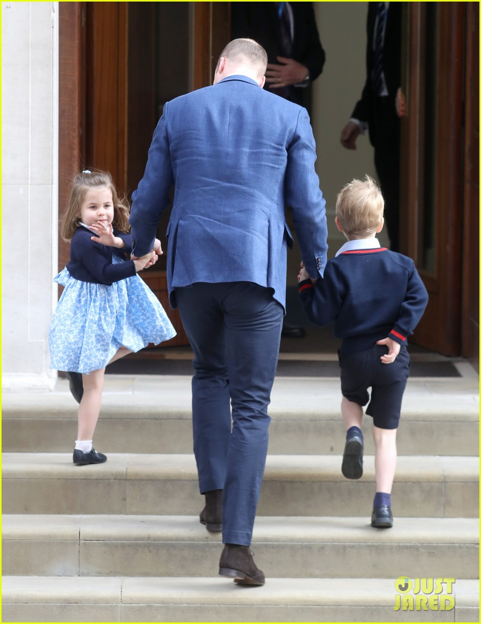 prince george princess charlotte visit baby brother 184069414