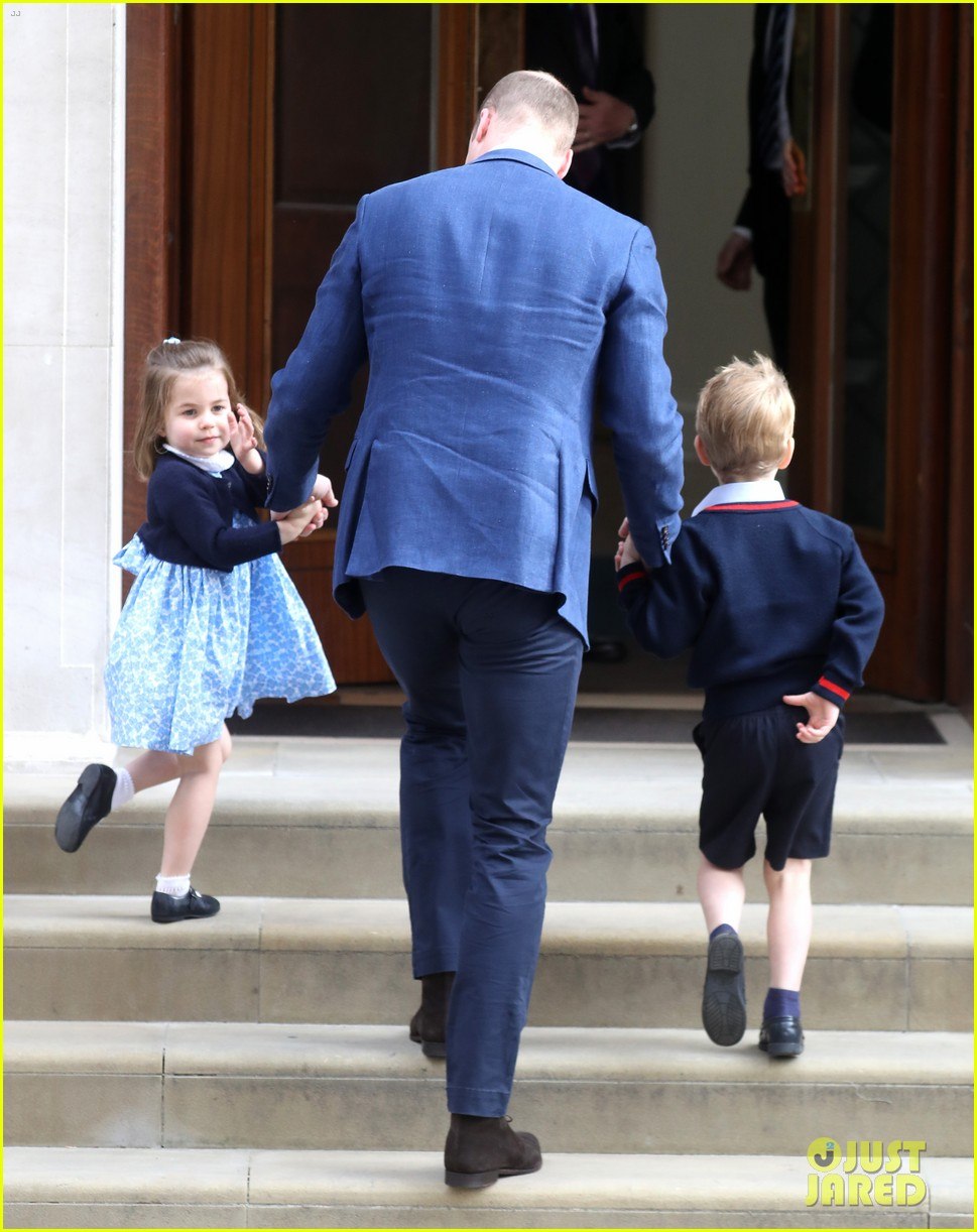 prince george princess charlotte visit baby brother 254069421