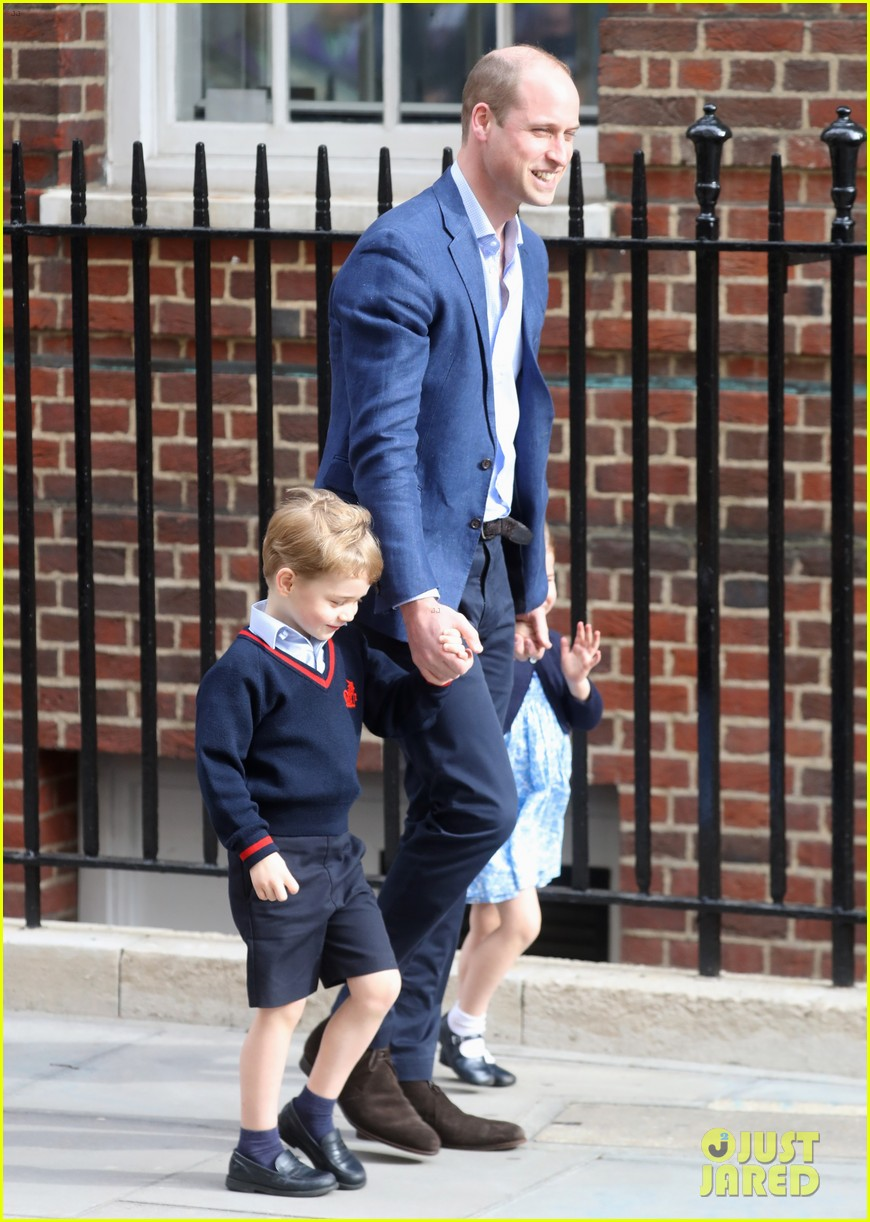 prince george princess charlotte visit baby brother 284069424