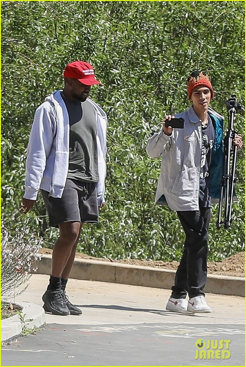 kanye west steps out in a make america great again hat 054072256