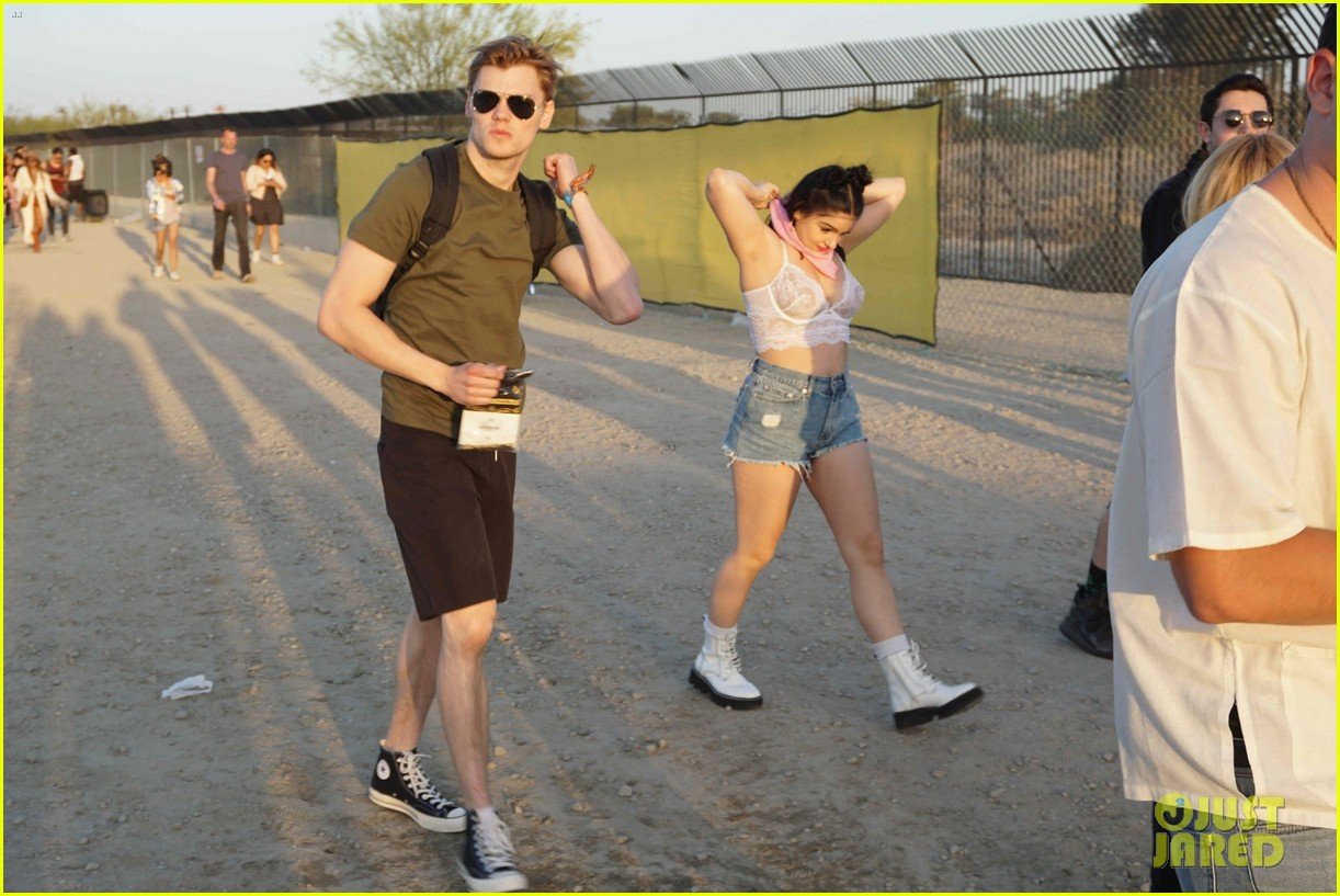 ariel winter levi meaden coachella 014065899