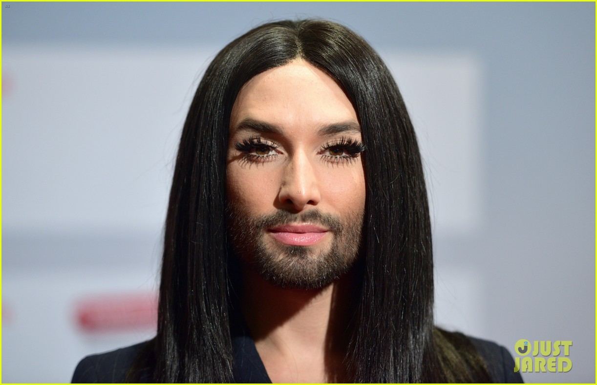 conchita wurst reveals hiv diagnosis 144065680