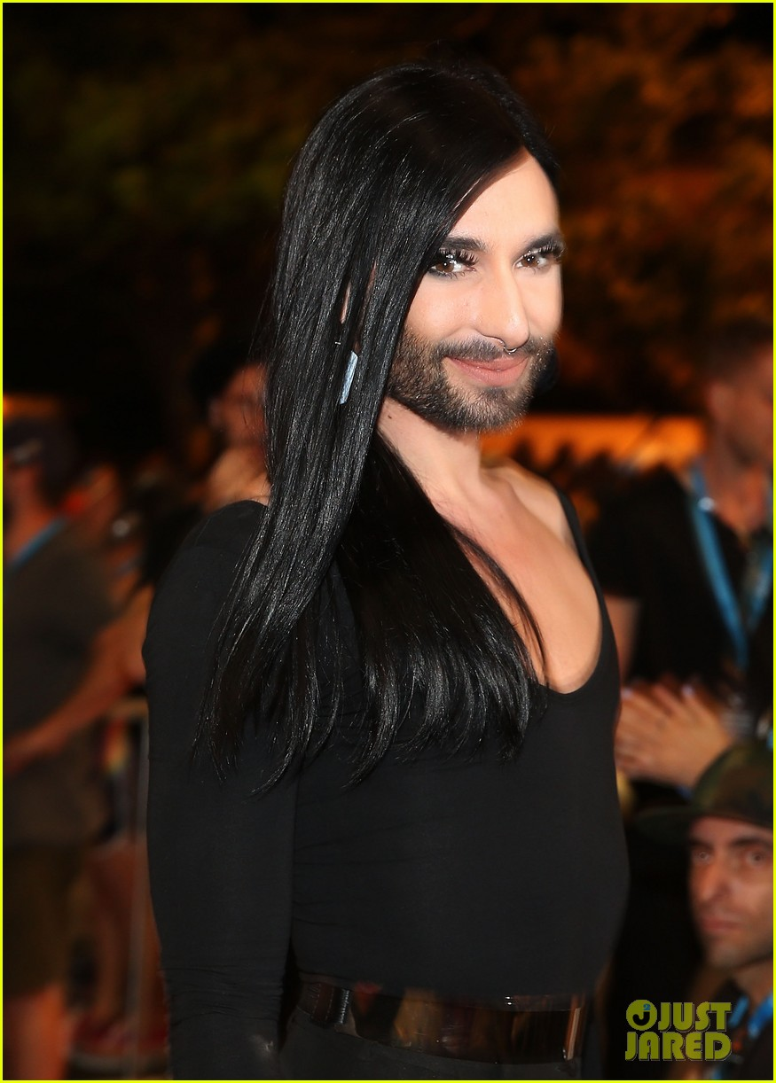 conchita wurst reveals hiv diagnosis 154065681