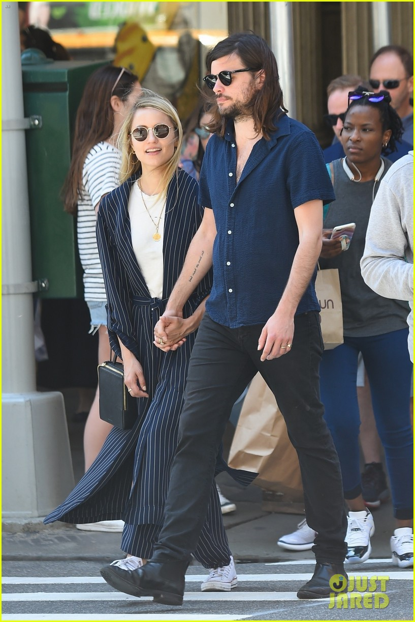 dianna agron winston marshall match in navy clothing 014090629