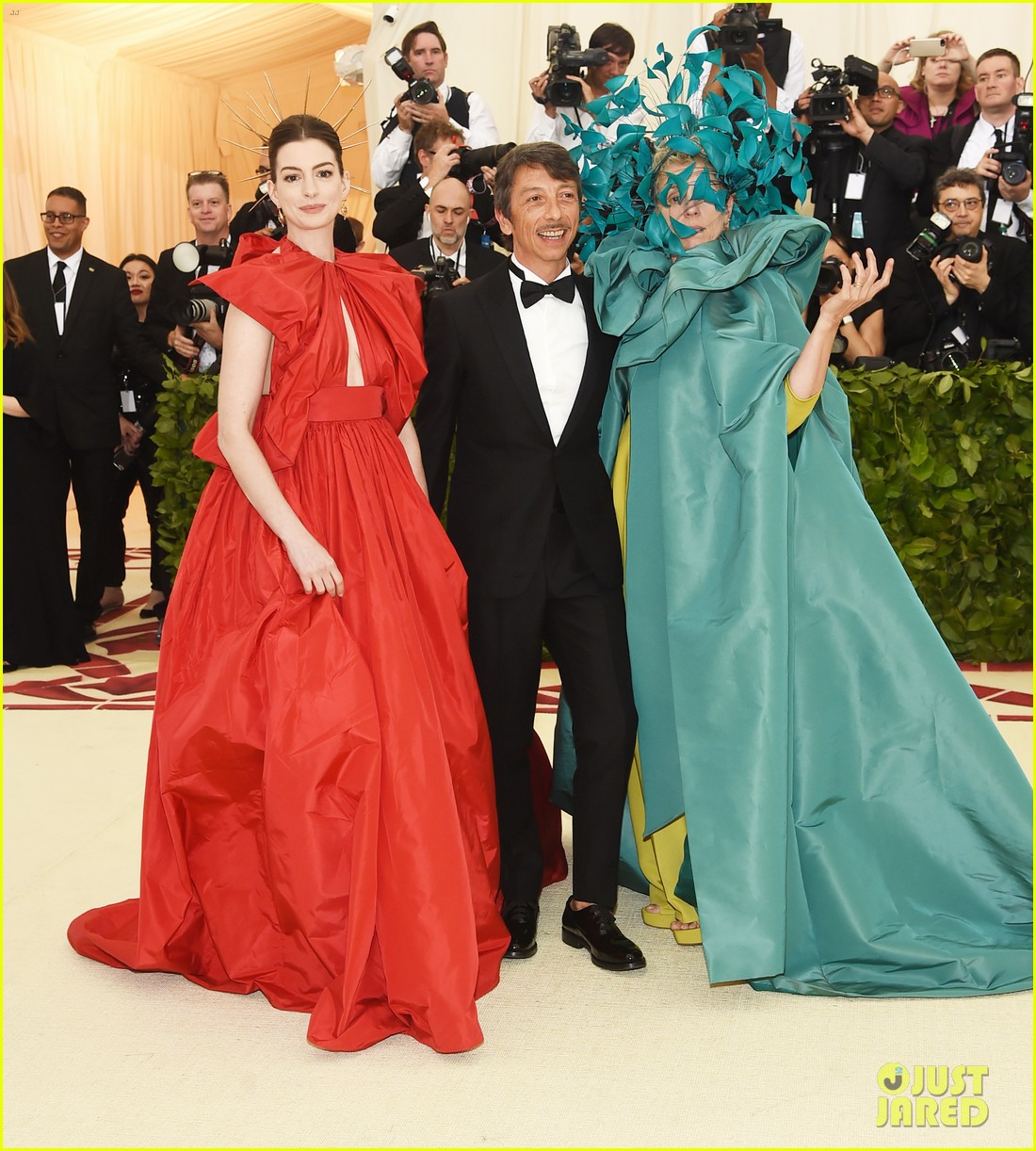 Anne Hathaway Stuns In Valentino Red At Met Gala 2018