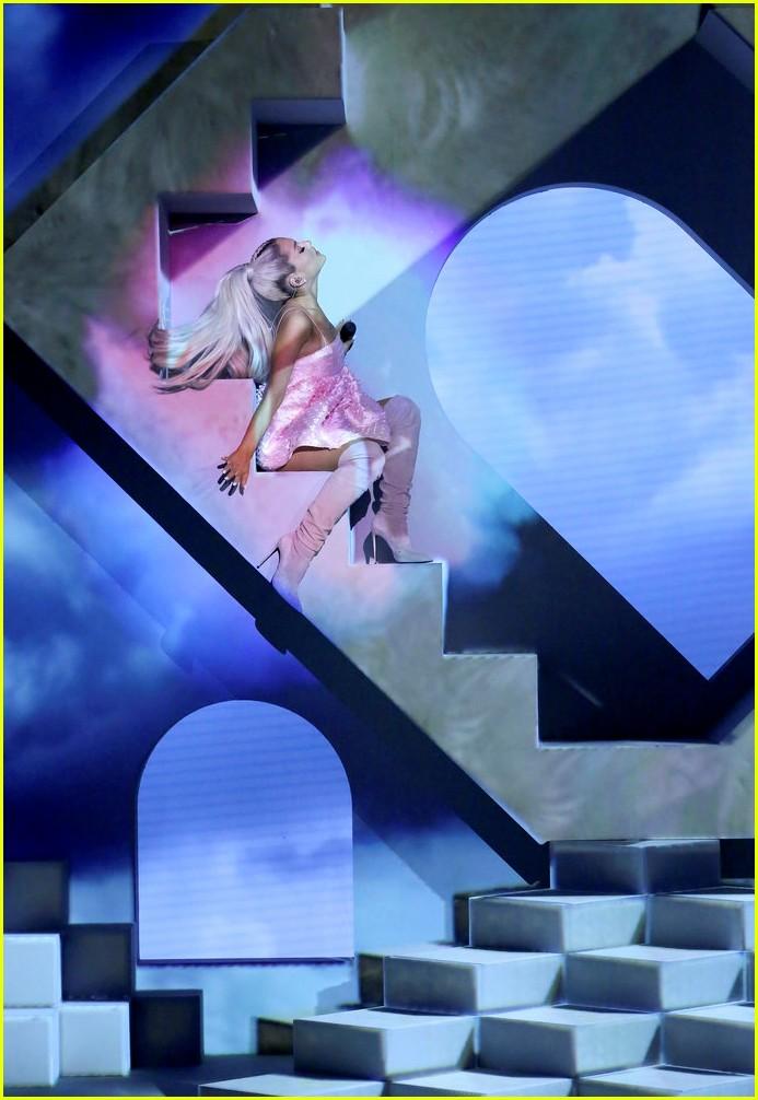 Ariana Grande Reveals Title of Fourth Album: 'Sweetener ...