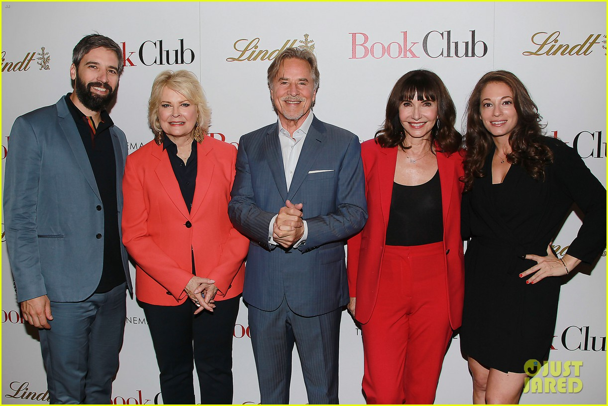 candice bergen don johnson mary steenburgen attend book club screening in nyc 054083957