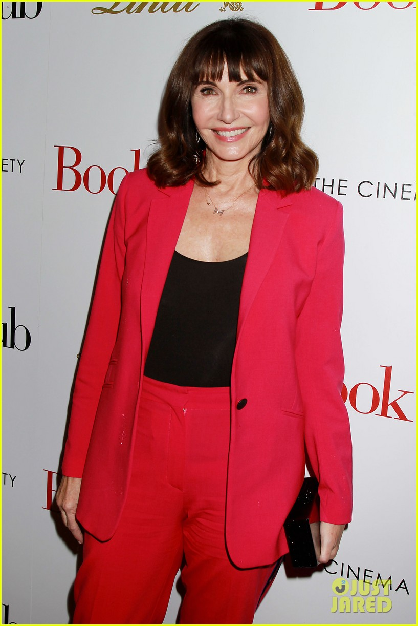 candice bergen don johnson mary steenburgen attend book club screening in nyc 104083962