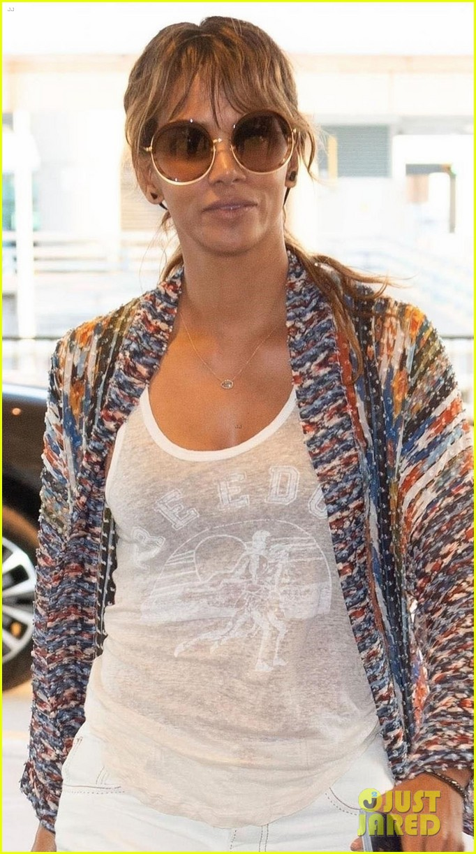 halle berry jets out of nyc after filming john wick 3 024091549